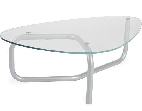 Tri Oval Table Lets You Enjoy A Luxurious Meal