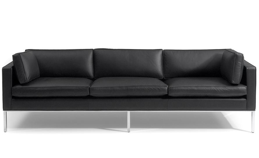 905 2.5 seat 3 cushion comfort sofa