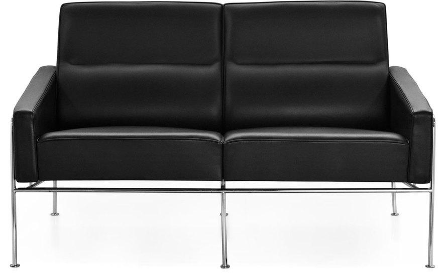 arne jacobsen series 3300 2 seat sofa hivemodern