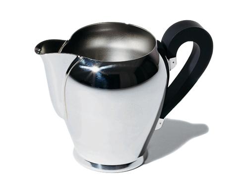 bombé milk jug