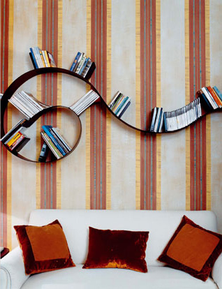 Bookworm Bookshelf Short