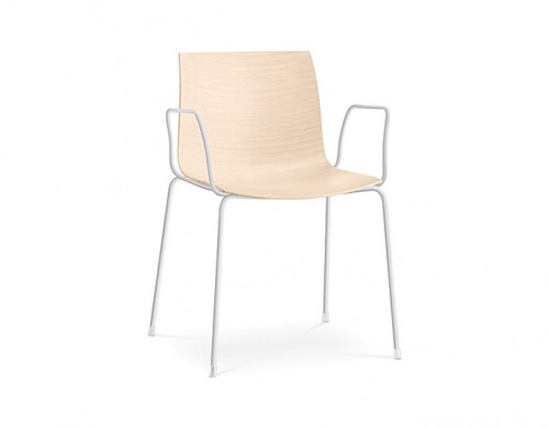 catifa 46 four leg wood armchair