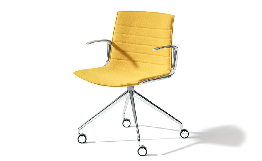 catifa up chair with trestle base