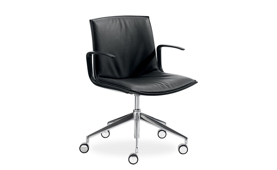 catifa up soft chair with five star base