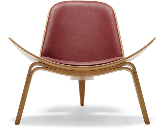 Ch07 Lounge Chair hivemoderncom : ch07 lounge chair hans wegner carl hansen and son 1 from hivemodern.com size 700 x 546 jpeg 99kB
