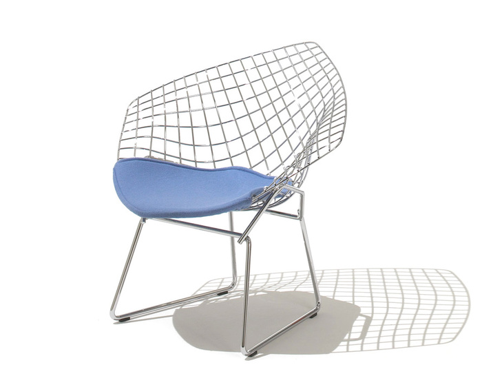 child's diamond chair with seat cushion