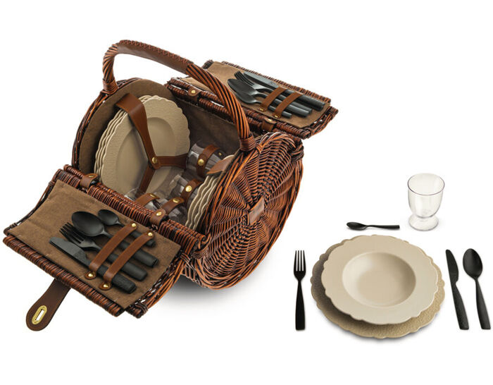 dressed en plein air picnic set