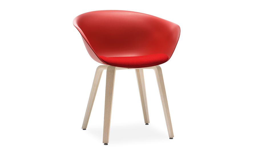 duna 02 wood leg chair with seat cushion