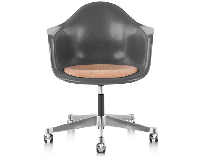 eames® armchair with task base