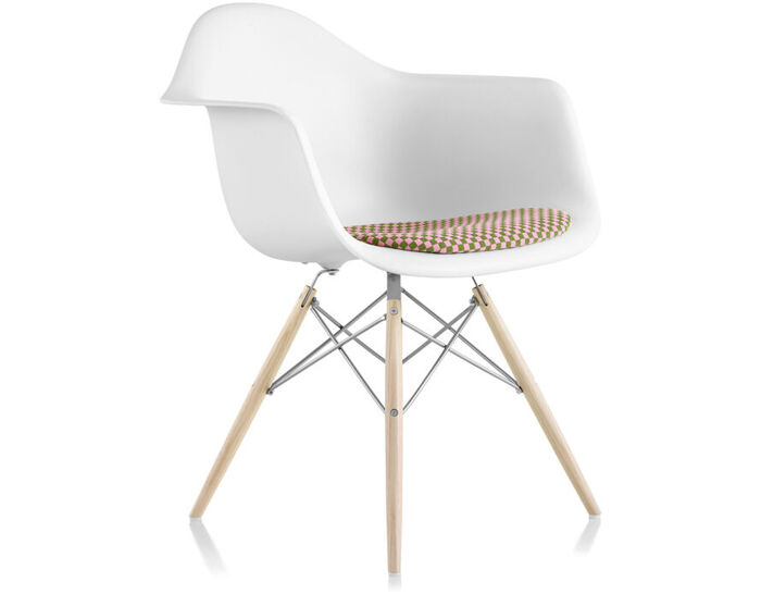 eames® dowel base armchair with seat pad