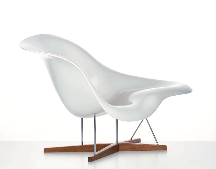 Eames la chaise for Chaise eames vitra