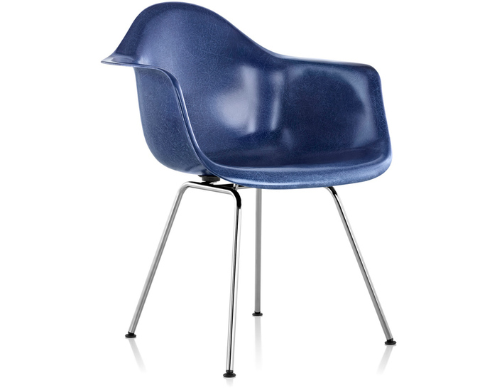 eames® molded fiberglass armchair with 4 leg base