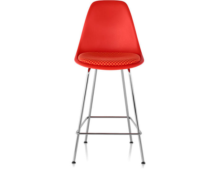 eames® molded plastic stool with seat pad
