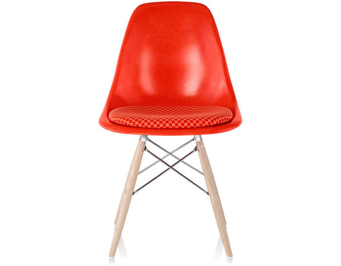 eames® dowel base side chair with seat pad