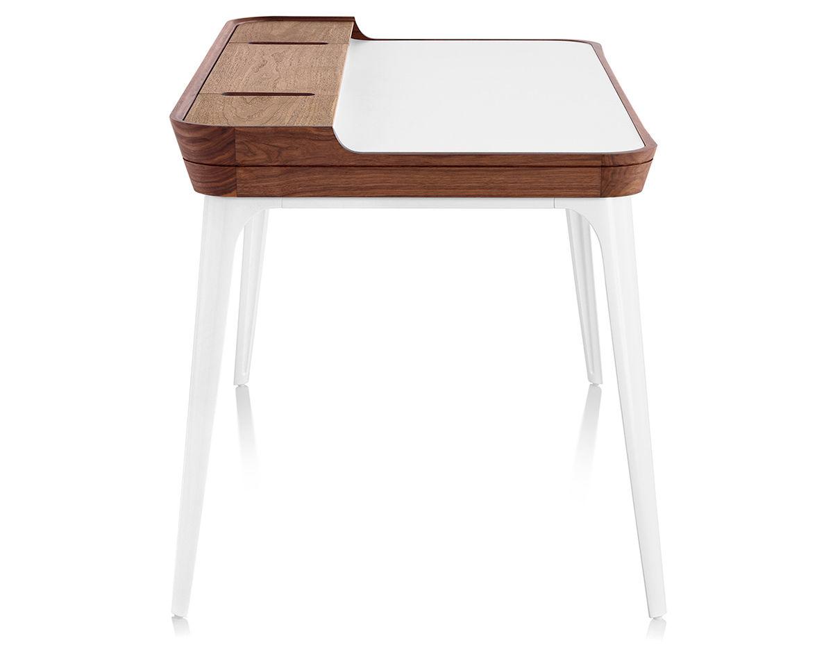 Airia Desk