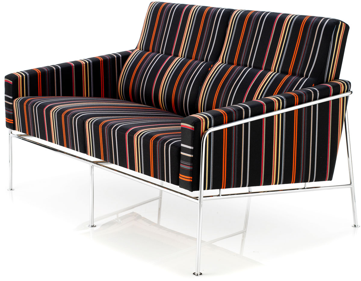 arne jacobsen series 3300 2 seat sofa