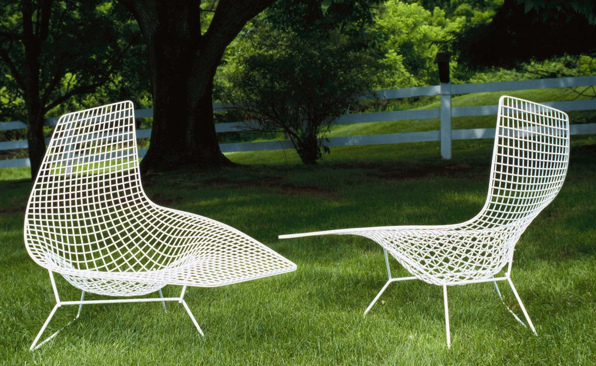 Bertoia asymmetric chaise lounge for Chaise bertoia knoll prix