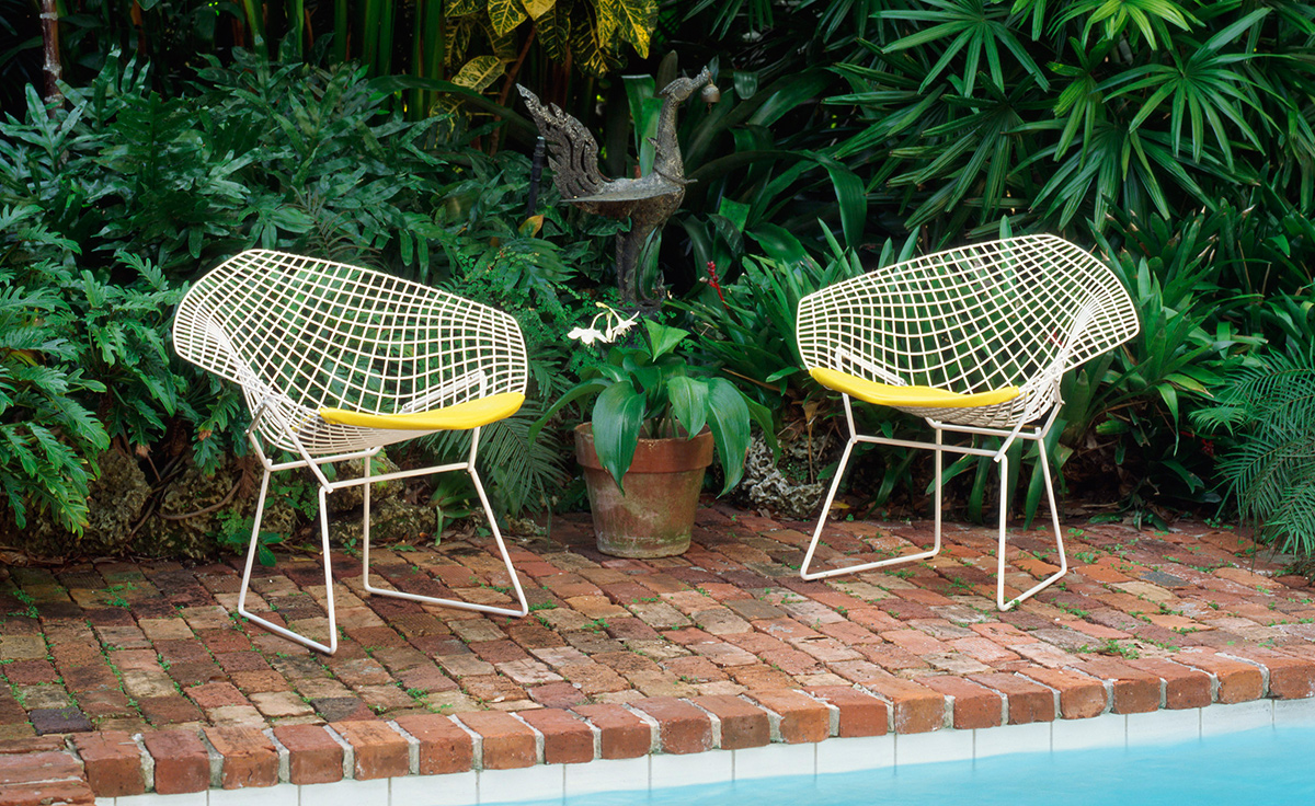 Bertoia Small Diamond Chair With Seat Cushion Hivemodern Com. Wire Outdoor  ...