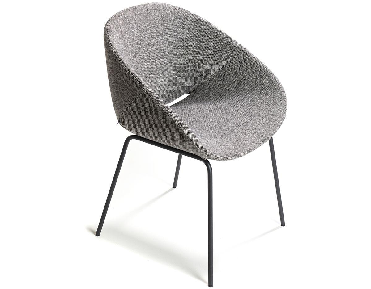 Merveilleux Beso 4 Leg Armchair