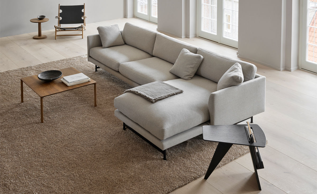 Fantastic Calmo 80 Three Seat Sofa With Chaise Metal Base Pabps2019 Chair Design Images Pabps2019Com