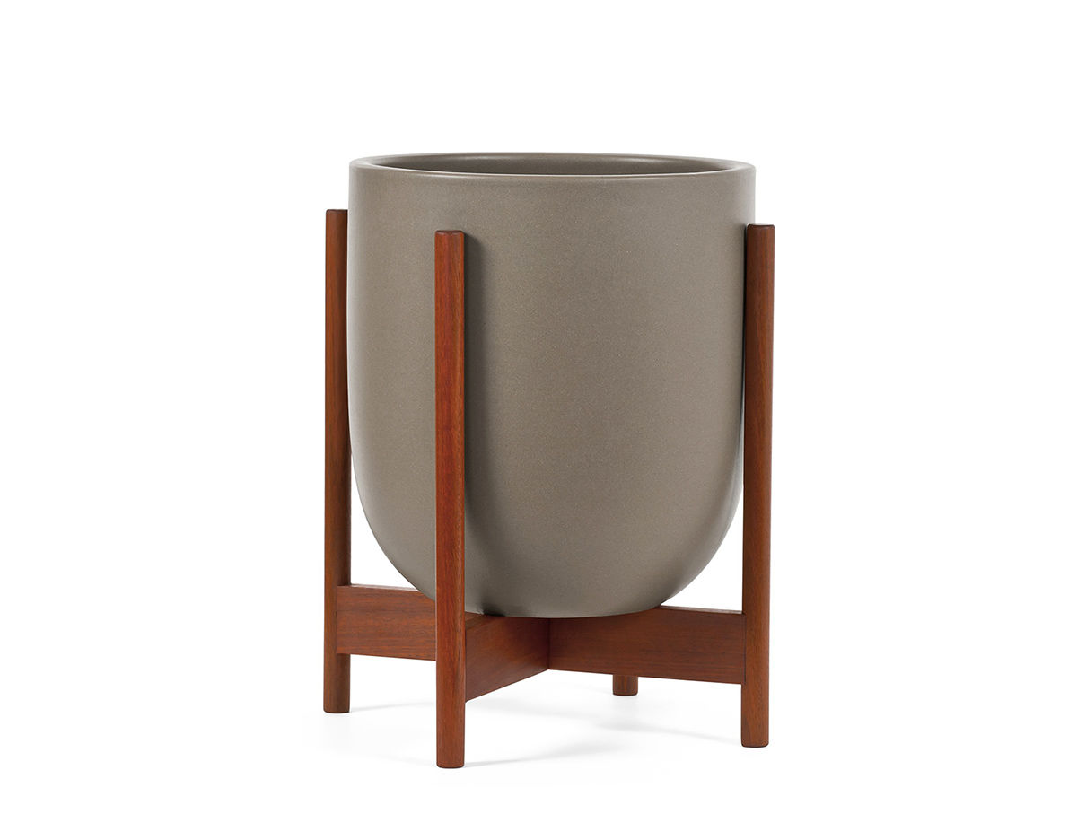 case study small bullet planter with wood stand