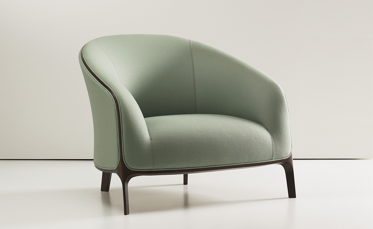 Superbe Catherine Lounge Chair