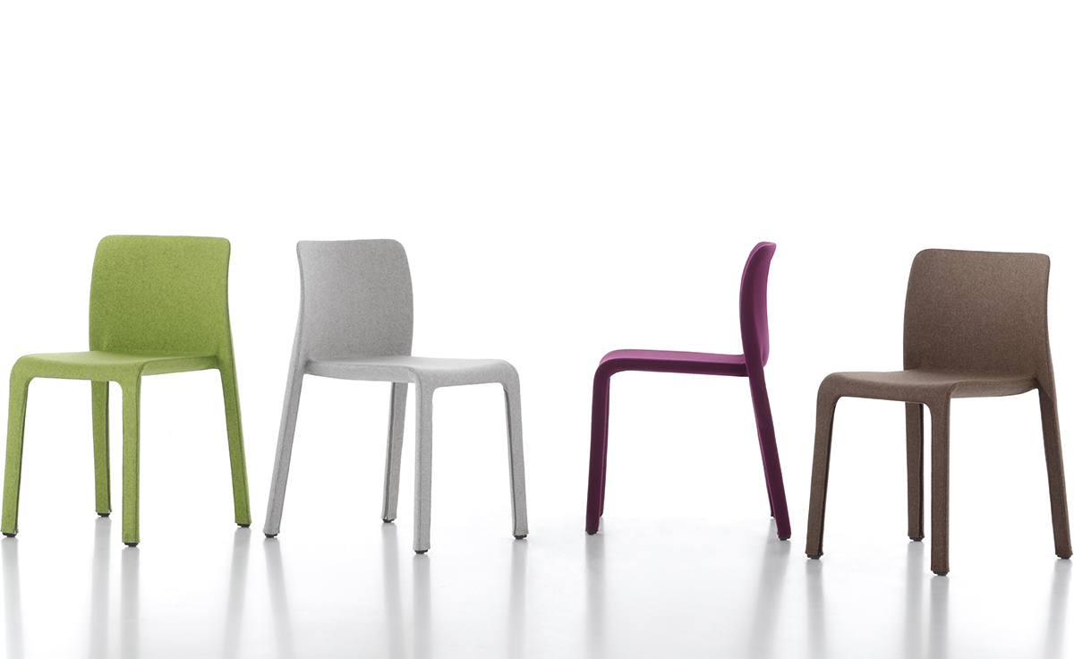 Design Stefano Giovannoni.Magis Dressed First Chair Two Pack