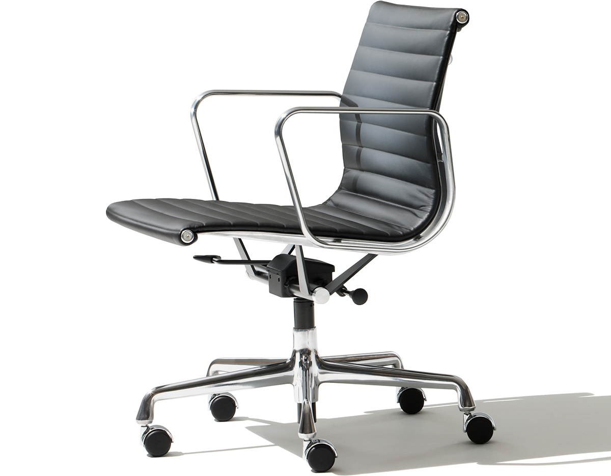 eames aluminum group management chair. Black Bedroom Furniture Sets. Home Design Ideas