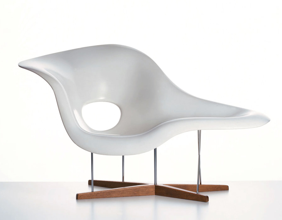 Eames la chaise for Chaise eames rar vitra