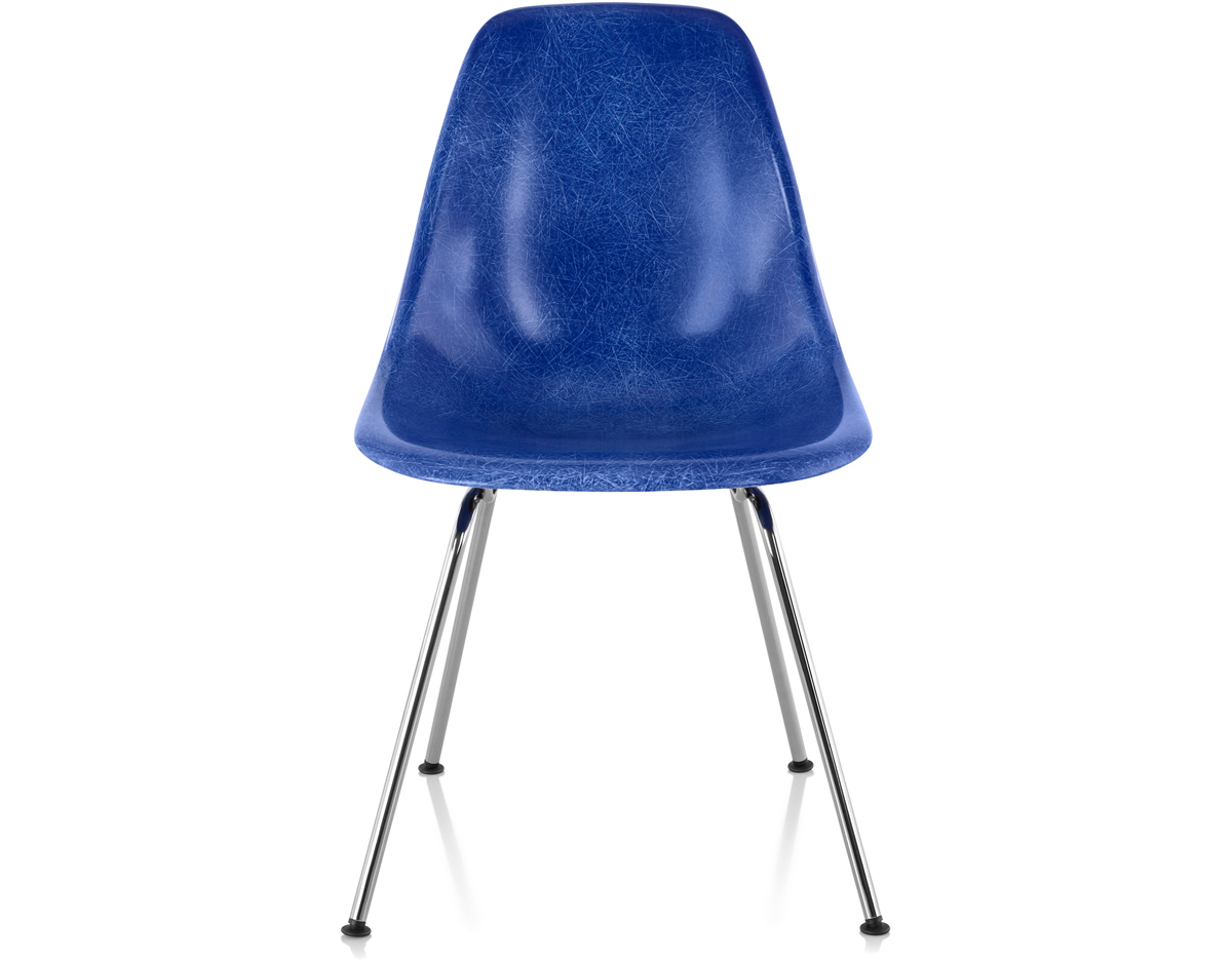 eames molded fiberglass side chair with 4 leg base