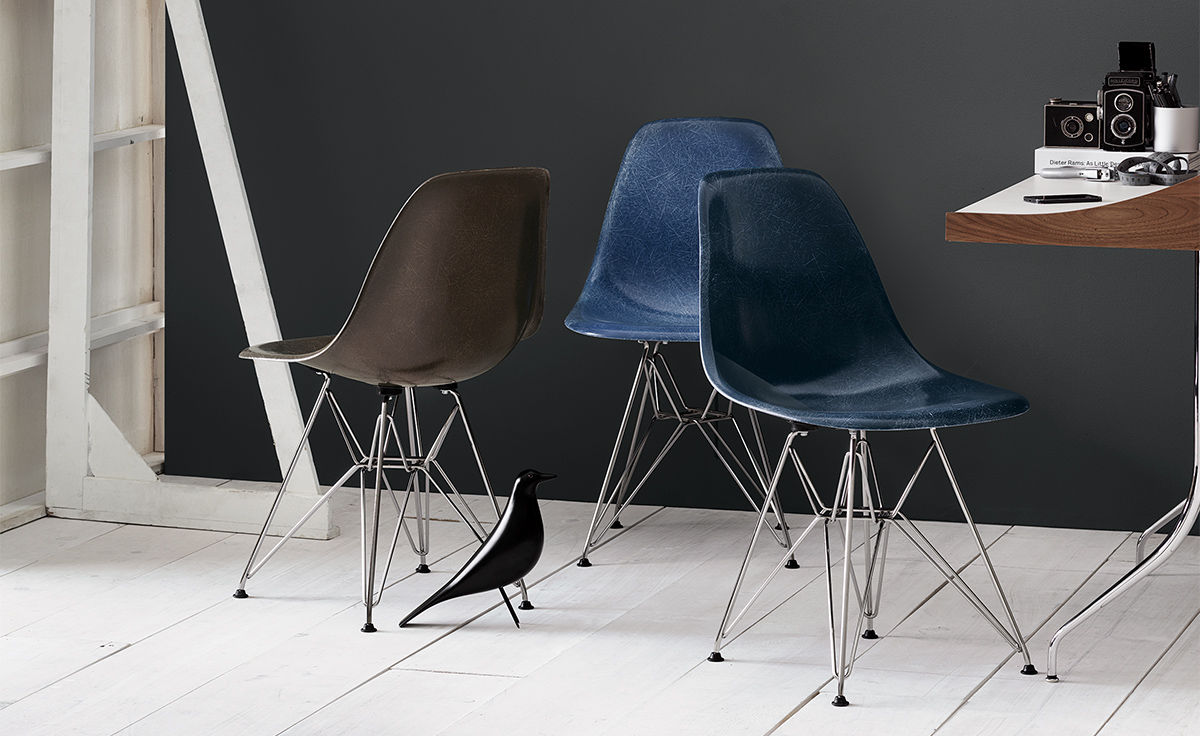 Eames® Molded Fiberglass Side Chair With Wire Base - hivemodern.com