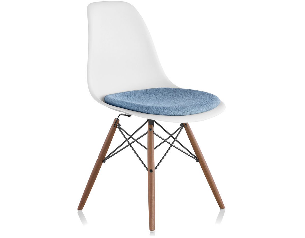 eames dowel base side chair with seat pad. Black Bedroom Furniture Sets. Home Design Ideas