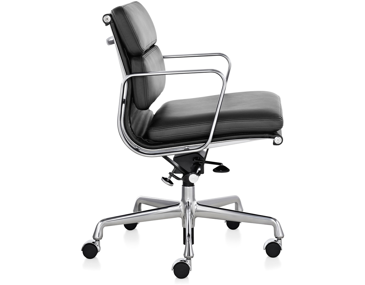eames soft pad group management chair. Black Bedroom Furniture Sets. Home Design Ideas