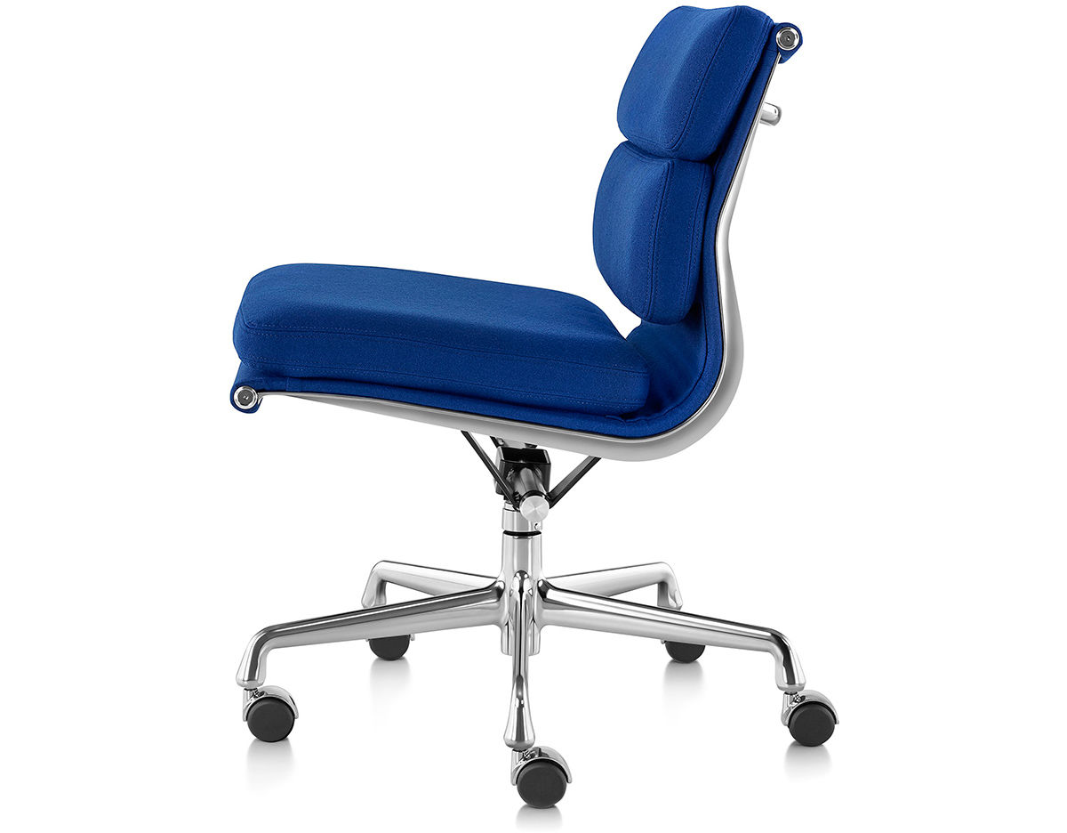 Eames 174 Soft Pad Group Management Chair With No Arms