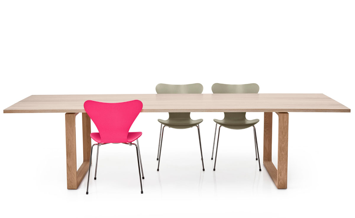 cecilie manz essay dining table for fritz hansen Series 7 chairs around the essay table by cecilie manz photo credit: republic of fritz hansen.