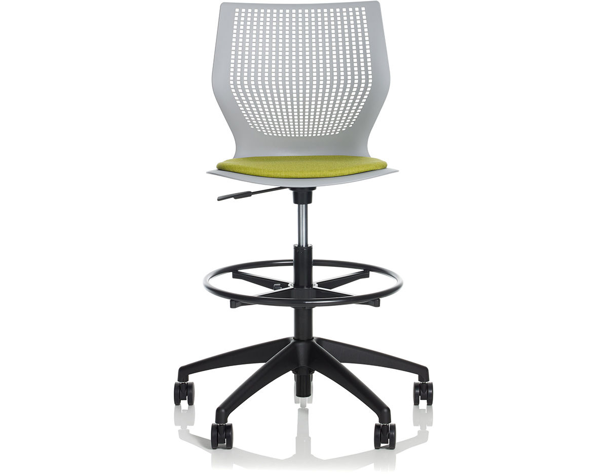 Multigeneration High Task Chair With 5 Star Base