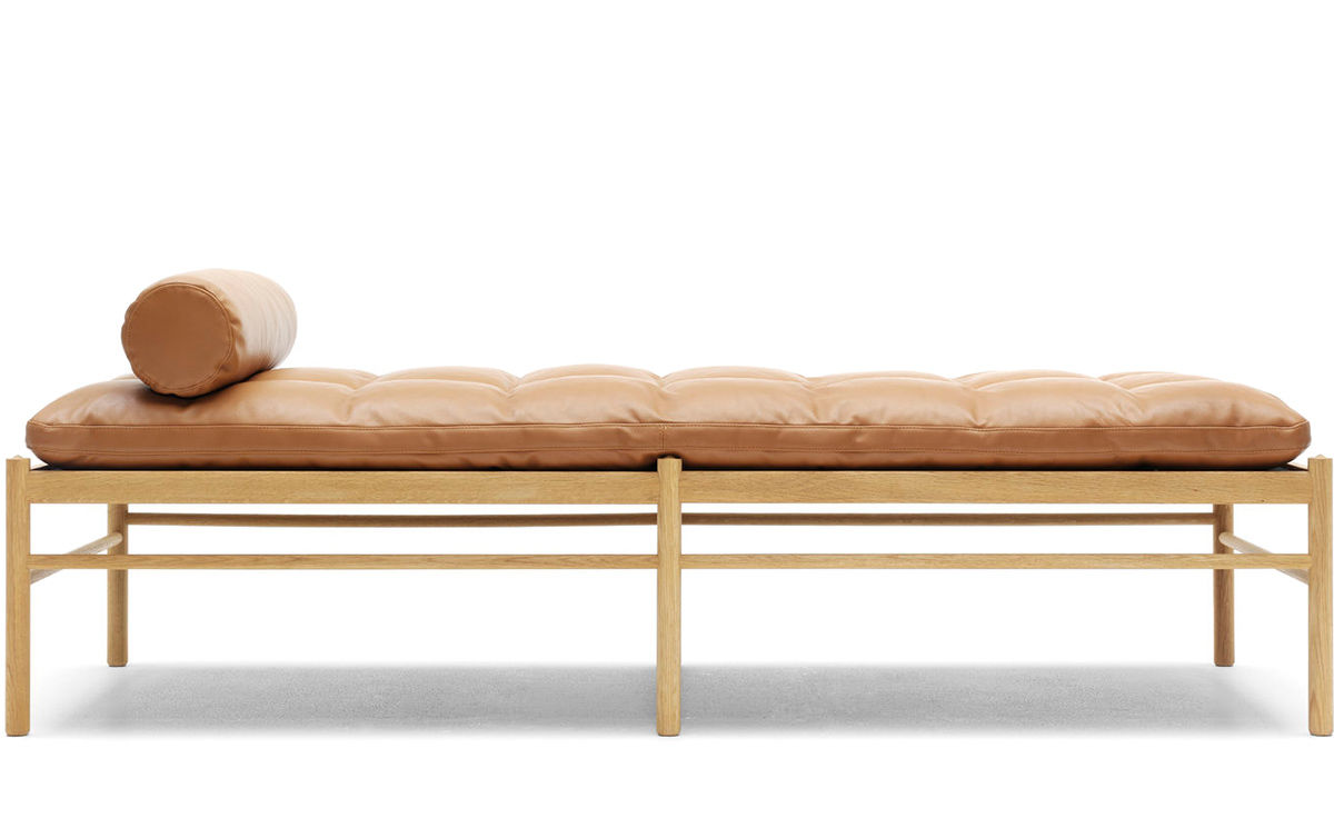 Ole Wanscher 150 Daybed With Neck Pillow - hivemodern.com