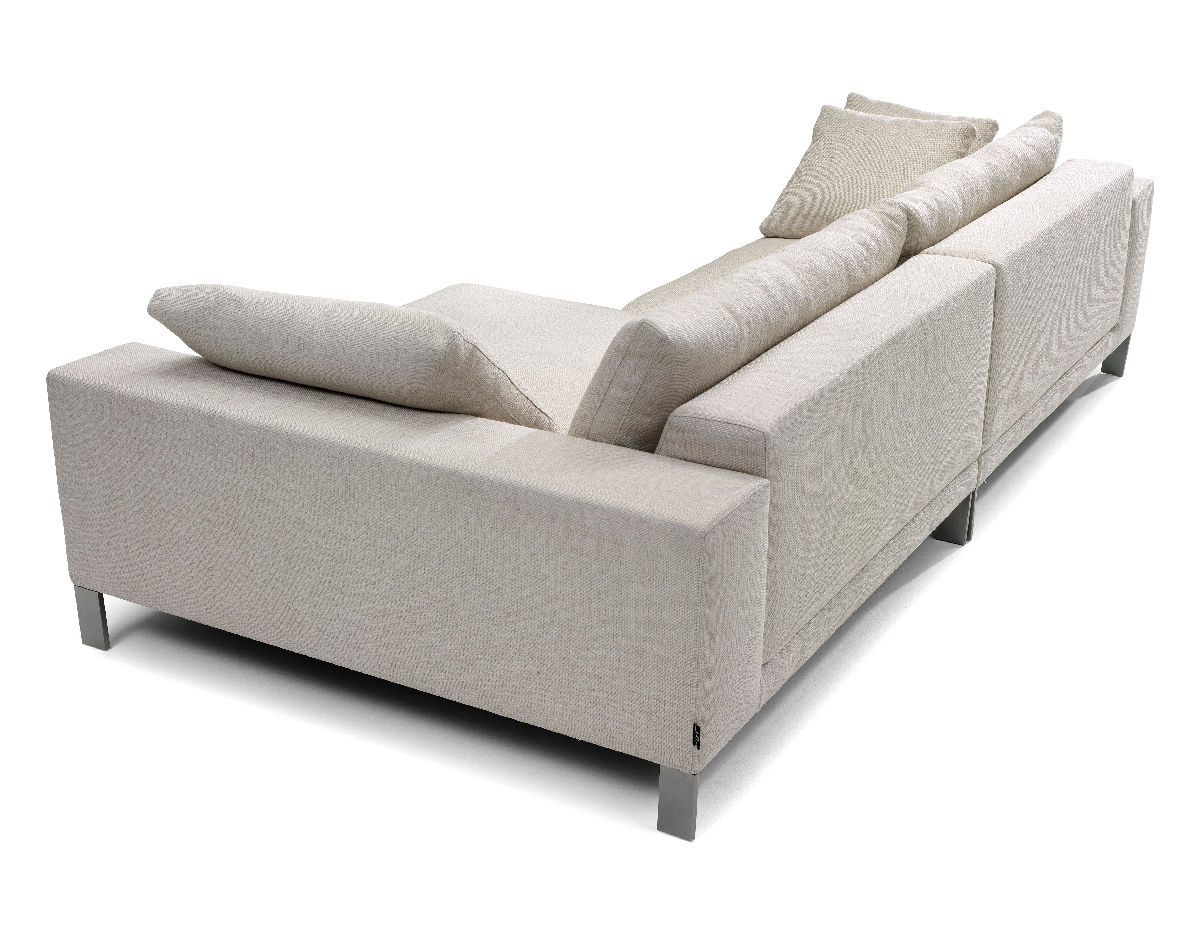 Plaza small sectional sofa hivemoderncom for Small sectional sofa reviews