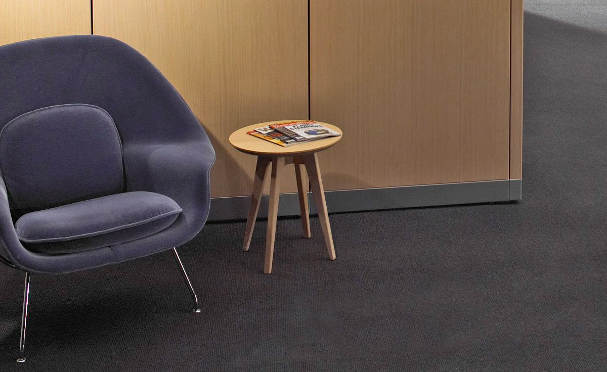 Risom round side table hivemodern overview geotapseo Choice Image