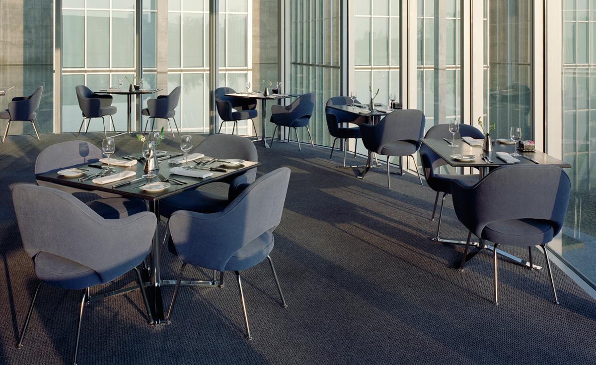 Saarinen Executive Arm Chair With Metal Legs Hivemodern Com
