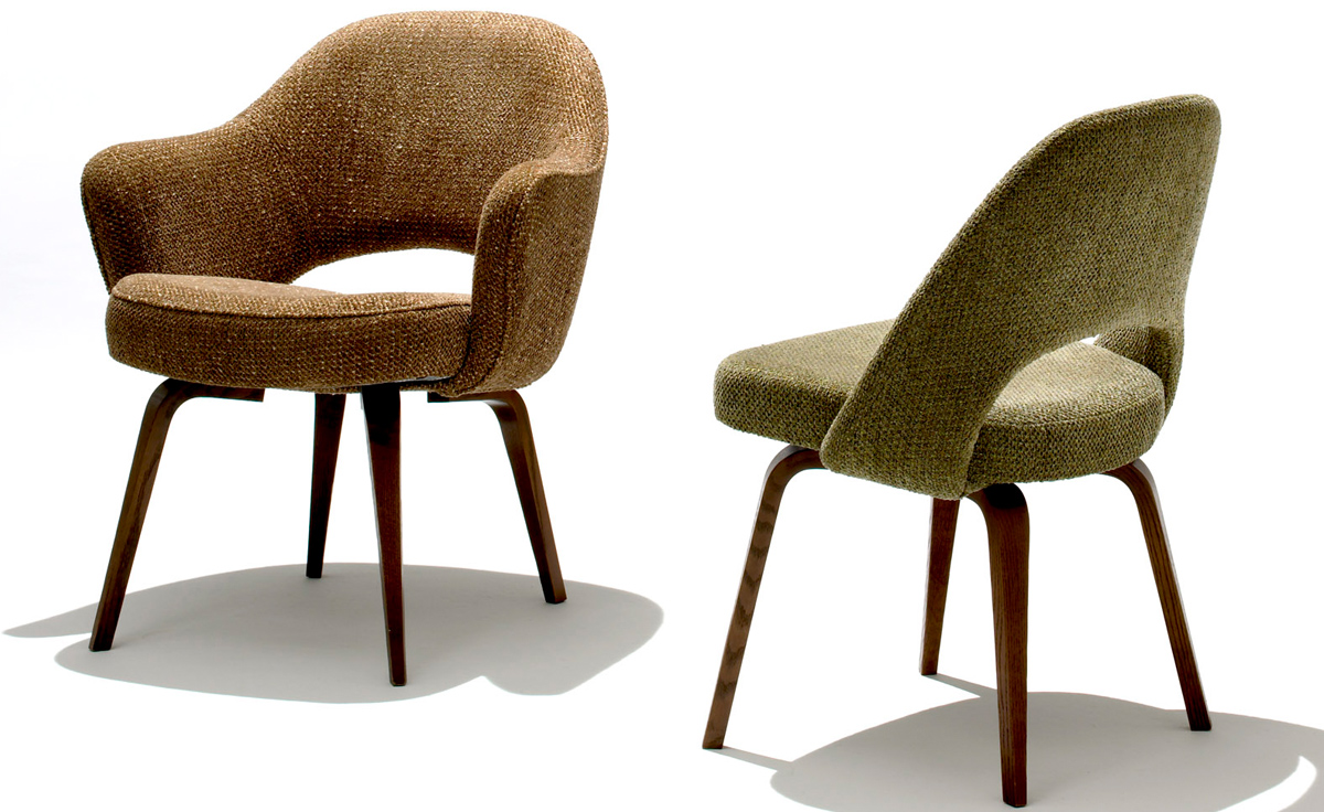 Saarinen Executive Arm Chair With Wood Legs hivemodern