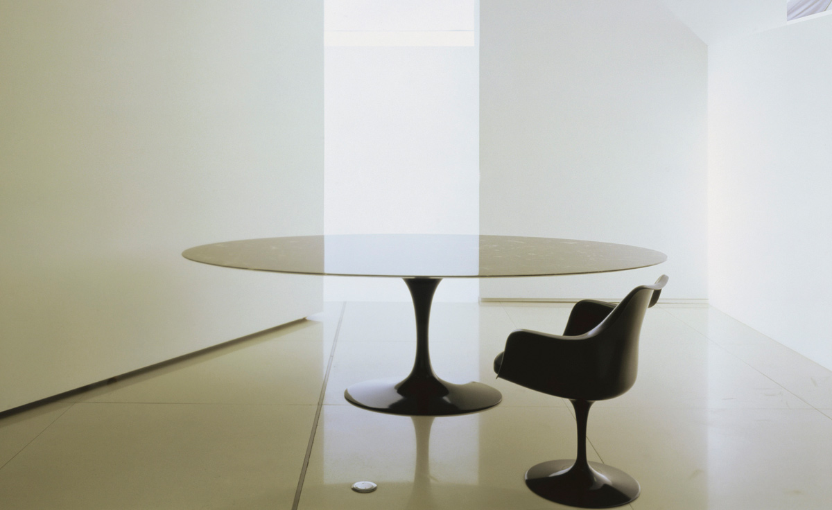 Saarinen Dining Table Black Granite Hivemoderncom - Original saarinen tulip table