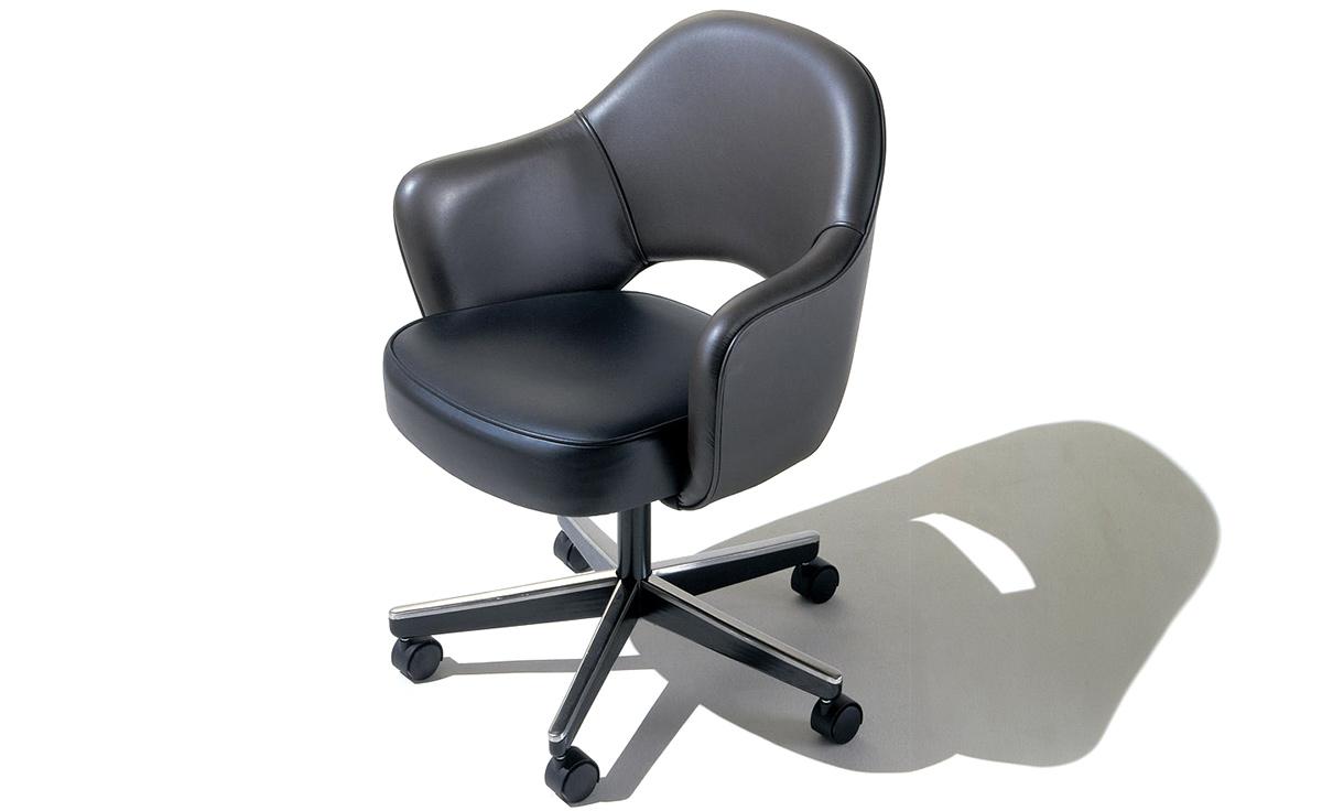 Saarinen Executive Swivel Armchair Hivemodern Com