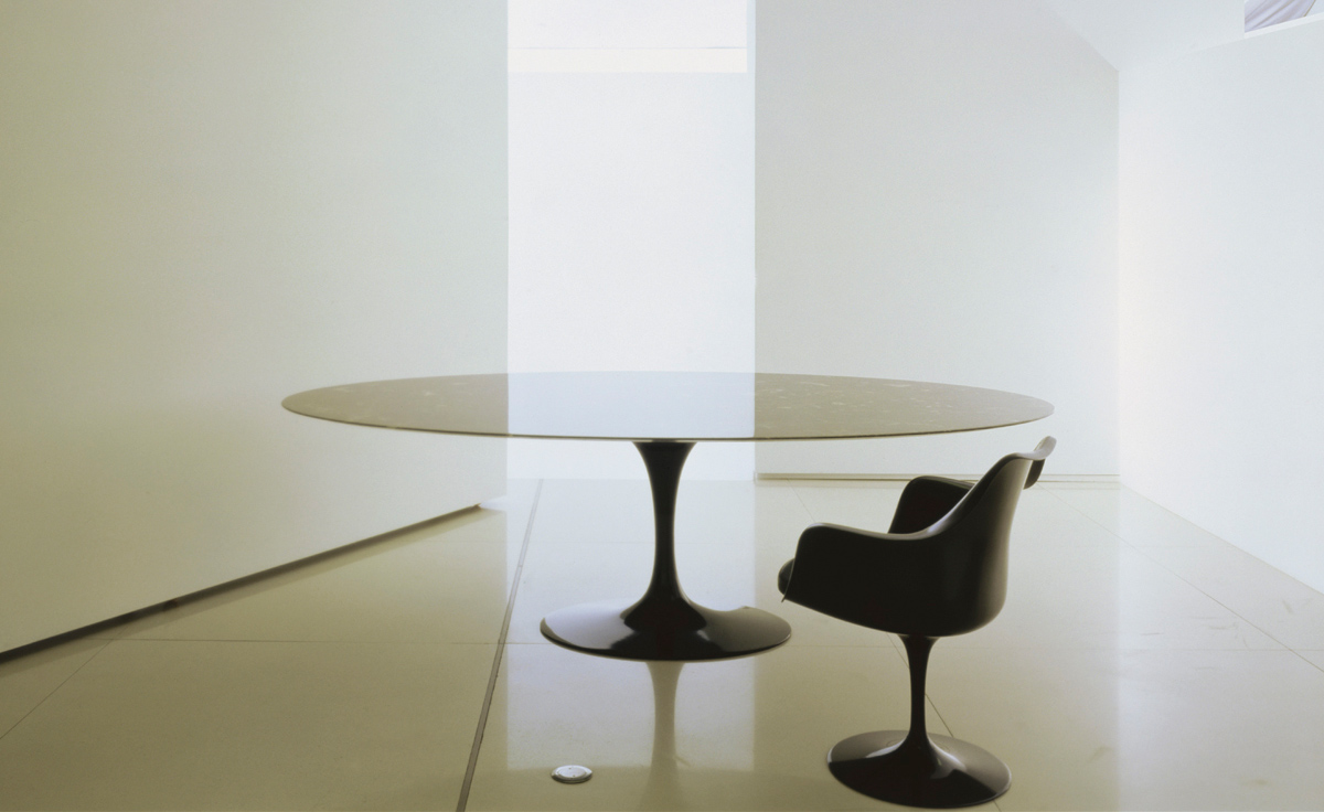Saarinen Black Tulip Arm Chair Hivemoderncom - Eero saarinen tulip table and chairs