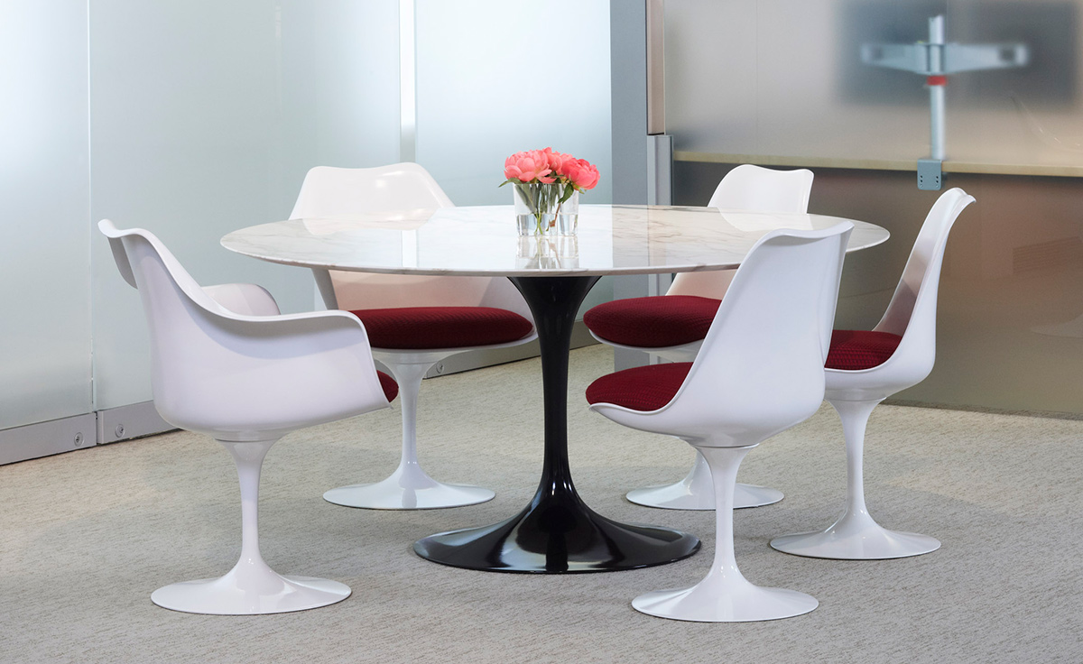 Saarinen White Tulip Side Chair Hivemoderncom - Knoll tulip table and chairs