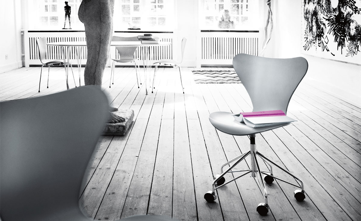 series 7 swivel side chair color