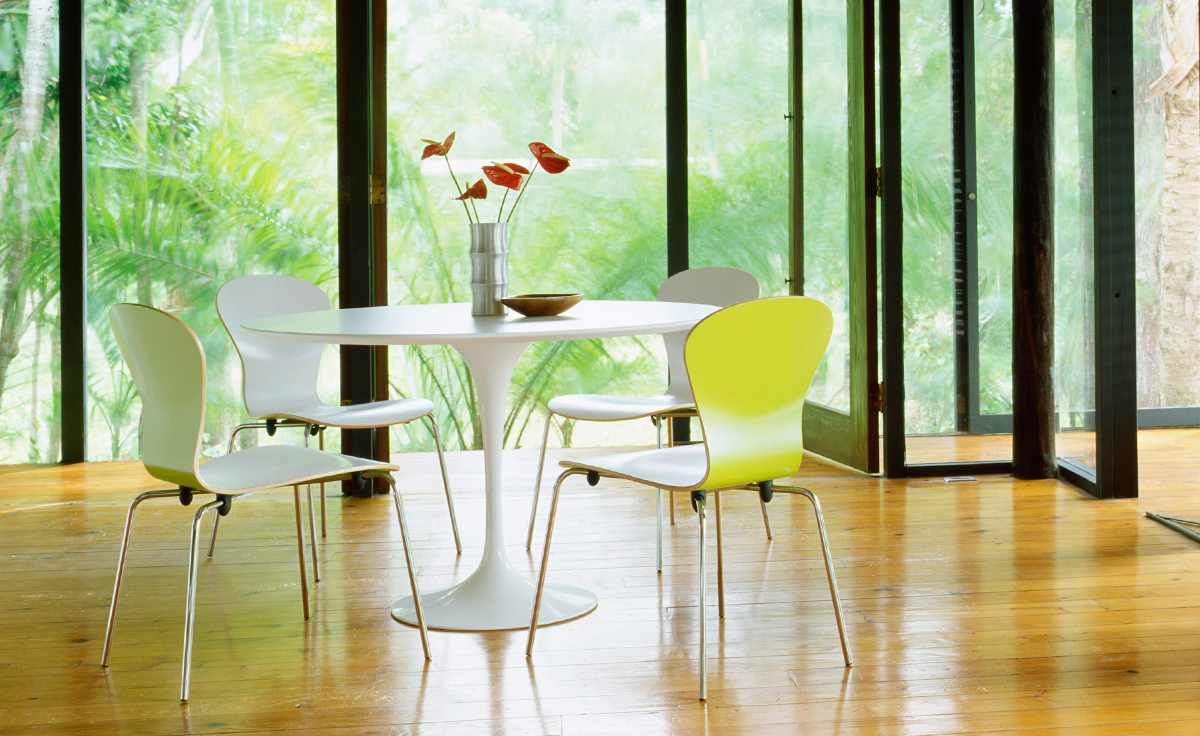 100 Barcelona Chair In Apple Green Knoll