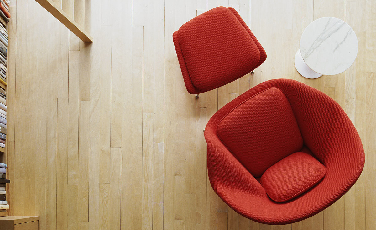 Womb chair ottoman for Modern hive