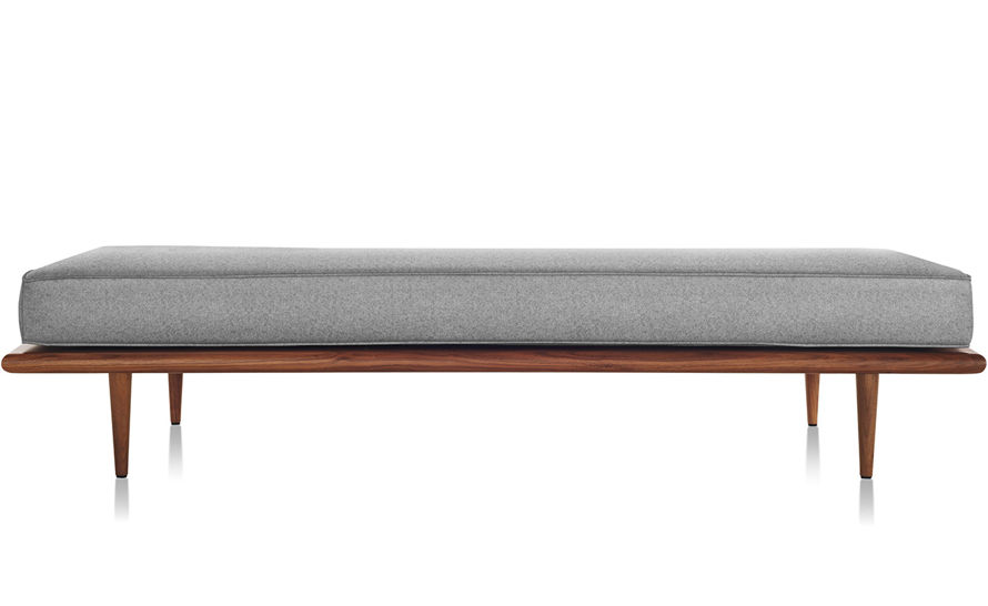 nelson™ daybed with wood taper legs