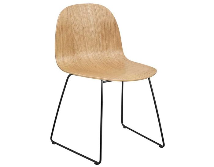 gubi 2d sled base dining chair
